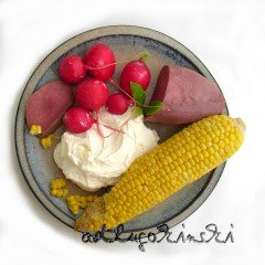 Frischkäse mit Zunge, Mais, Radieschen, Lorbeerblatt
