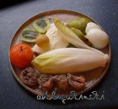 Chicorée, Ei, Mandarine, Kiwi, Birne, Feigen mit Frischkäse