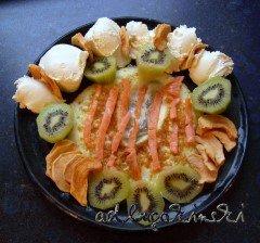 Räucherlachs, Eiweiss, Kiwi, Trockenäpfel mit Frischkäse