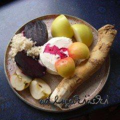 Rote Bete, Apfel, Meerrettich mit Frischkäse