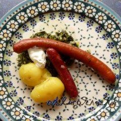 Grünkohl mit Räucherwurst und Pellkartoffeln