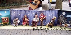 ♫ Pinocchios Abenteuer: von ausgestopften Hasenschenkeln bis zu lebensgroßen Marionetten Kulturmagazin 8ung.info Dorle Knapp-Klatsch