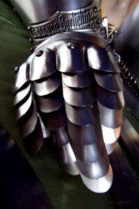 Eiserne Hand eines Ritters