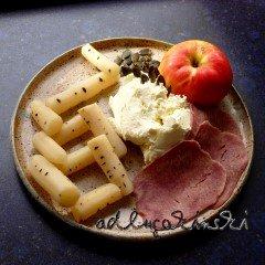 ☕ Rezept: Schwarzwurzel, Rinderzunge, Apfel, Kürbiskerne mit Frischkäse | Kulturmagazin 8ung.info