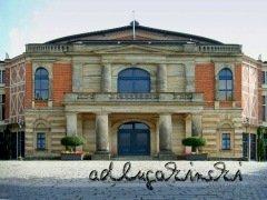 ♫ Parsifal in Bayreuth 2009 - Zeitenfahrt von der Villa Wahnfried zum Plenarsaal des Deutschen Bundestages Kulturmagazin 8ung.info Dorle Knapp-Klatsch