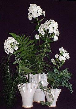✿ Blumengestecke in besonderen Keramikvasen | Kulturmagazin 8ung.info