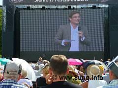 ♫ Lohengrin mit Wolkenbruch - Public viewing der Bayreuther Festspiele 2011 Kulturmagazin 8ung.info Elke Wilkenstein
