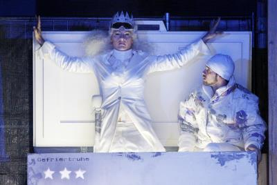 Die Schneekönigin im Staatstheater Stuttgart - Madonna der kalten Welt | Kulturmagazin 8ung.info