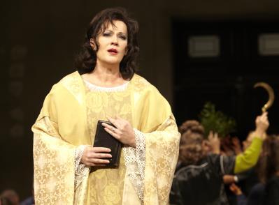 ♫ Norma in der Oper Stuttgart - Catherine Naglestad begeistert das Publikum | Kulturmagazin 8ung.info
