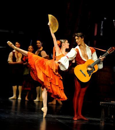 ♫ Stuttgarter Ballett tanzt Don Quijote - schnell, jung, spritzig | Kulturmagazin 8ung.info