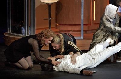 Donna Anna, Zerlina, Donna Elvira, Don Giovanni | Oper Stuttgart | Foto A.T. Schaefer