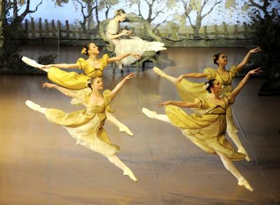 ♫ Onegin – junge Tänzer in zeitloser Choreografie | Kulturmagazin 8ung.info