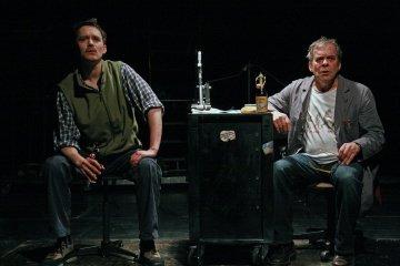 Theatertipp: Hoimetaberau - Schwäbische Tüftlersonate in der Tri-Bühne Kulturmagazin 8ung.info Dorle Knapp-Klatsch