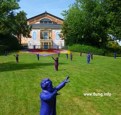 ☛ Bild des Tages: K-Frage (Kunst oder Kitsch) in Bayreuth | Kulturmagazin 8ung.info