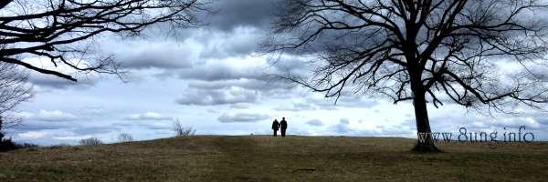 Schwäbische Alb mit Wolkenhimmel