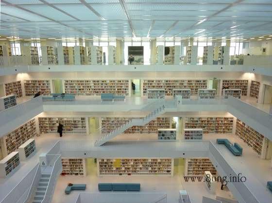 w.bibliothek.leute.treppe.buch 029a