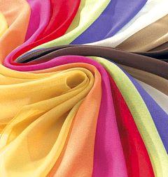 Bunte Tücher für Farbtypen