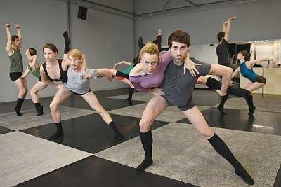 ♫ Gauthier Dance - Appetithäppchen zur nächsten Ballettpremiere Kulturmagazin 8ung.info Dorle Knapp-Klatsch