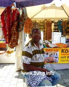 Afrika-Festival: Mode vom Handwerksmeister Kulturmagazin 8ung.info Dorle Knapp-Klatsch
