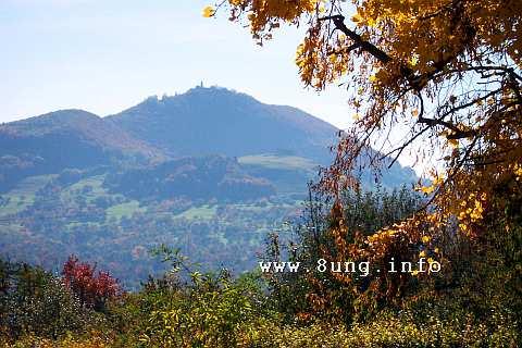 ☼ Bild des Tages: Wetter am 22. Oktober 2015 - Burg Teck im Dunst | Kulturmagazin 8ung.info