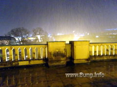 ergiebiger Regen mit Blick über Stuttgart