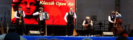 Musiker Don & Giovannis auf der Bühne