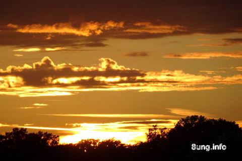 ☼ Wetterprognose für morgen: Sonnenuntergang in Gelb | Kulturmagazin 8ung.info