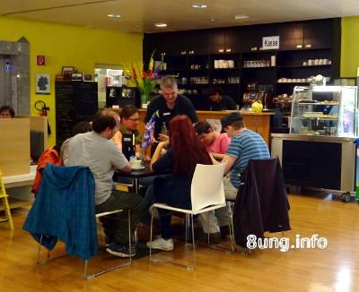 Gelebte Inklusion in der Bayreuther Stadtbücherei | Kulturmagazin 8ung.info