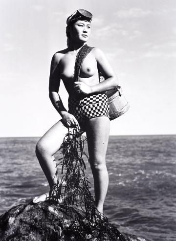 ☛ Lindenmuseum: Stolz und selbstbewusst - Meerfrauen in Japan Kulturmagazin 8ung.info Dorle Knapp-Klatsch