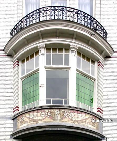 Erker mit Balkon am Jugendstil-Haus in Gent