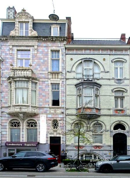 pastellfarbene Jugendstil-Häuser in Gent