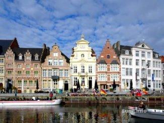 Häuserzeile in Gent, Wasser, Boote