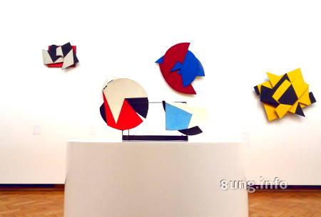 Pol Bury: Kinetisches Objekte - bemalte Scheiben