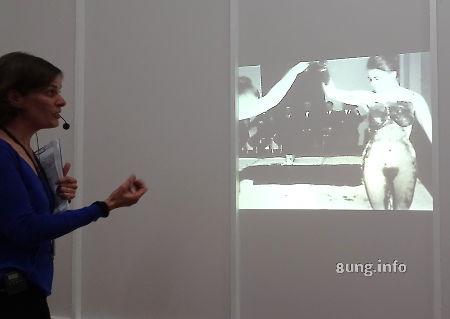 Yves Klein im Museum Bozar - Film einer Performance