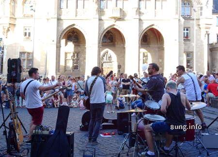 Musiknacht in Erfurt, Band vor dem Rathaus