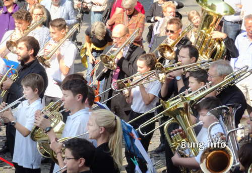 Junge Musiker beim Fest der Oper Stuttgart