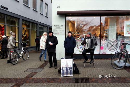 3 Tenöre aus Minsk als Strassenmusiker