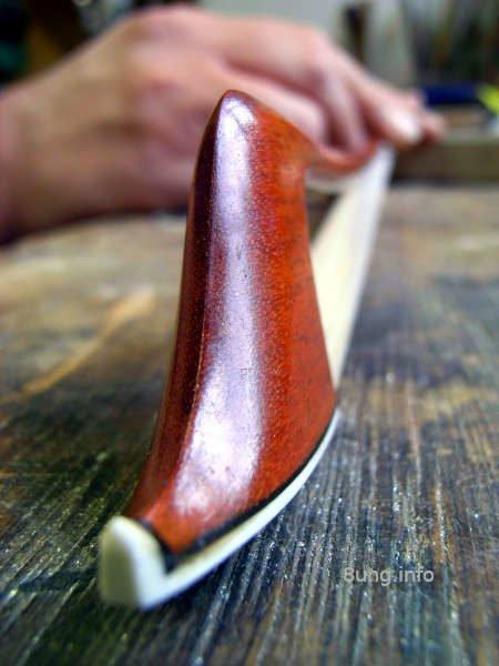 Geigenbogen beim Bogenbauer