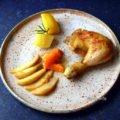 Hähnchenkeulen mit Winterbirnen-Gemüse und Kartoffeln