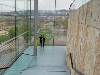 Glasfassade im Kunstmuseum Stuttgart
