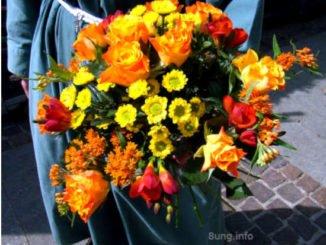 Blumenstrauss in gelb/orange