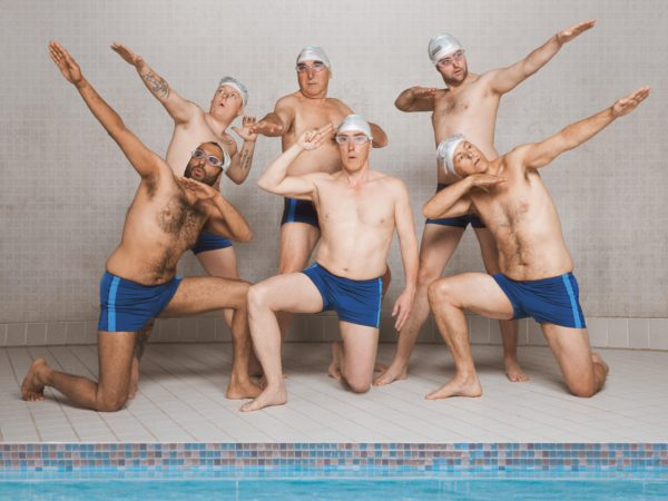 Film: Swimming with men