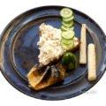 Makrelenhaut, Gurkenscheiben, Schwarzwurzel mit Frischkäsecreme