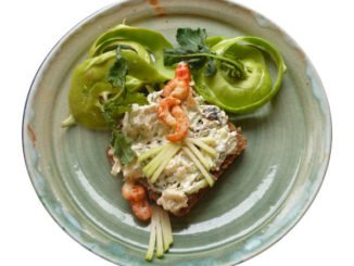 ☕ Rezept: Flusskrebse, Kohlrabi, Kresse, Apfel, Backpflaumen mit Frischkäse Kulturmagazin 8ung.info Elke Wilkenstein