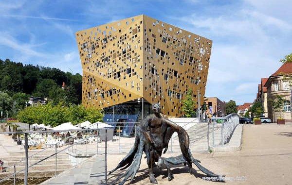 Architektur-Glanzlicht: Forum Gold und Silber   Kulturmagazin 8ung.info