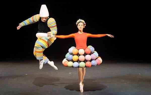 Figuren aus dem Triadischen Ballett von Oskar Schlemmer