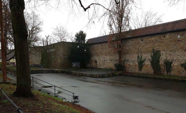 Monatswetter 2020 März: Regen vor der Bastion in Kirchheim / Teck