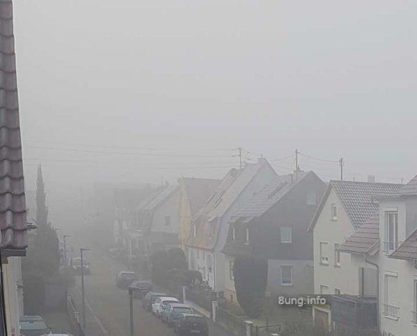 Sstrasse im Nebel
