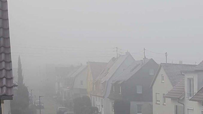 wetterprognose 2020 September: Sstrasse im Nebel