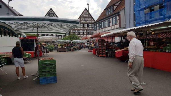 Markt in Kirchheim Teck, grau und trübe